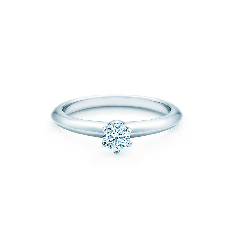 Кольцо помолвочное Tiffany Setting. Вес бриллианта 0,25 карата, цена от 1780$.