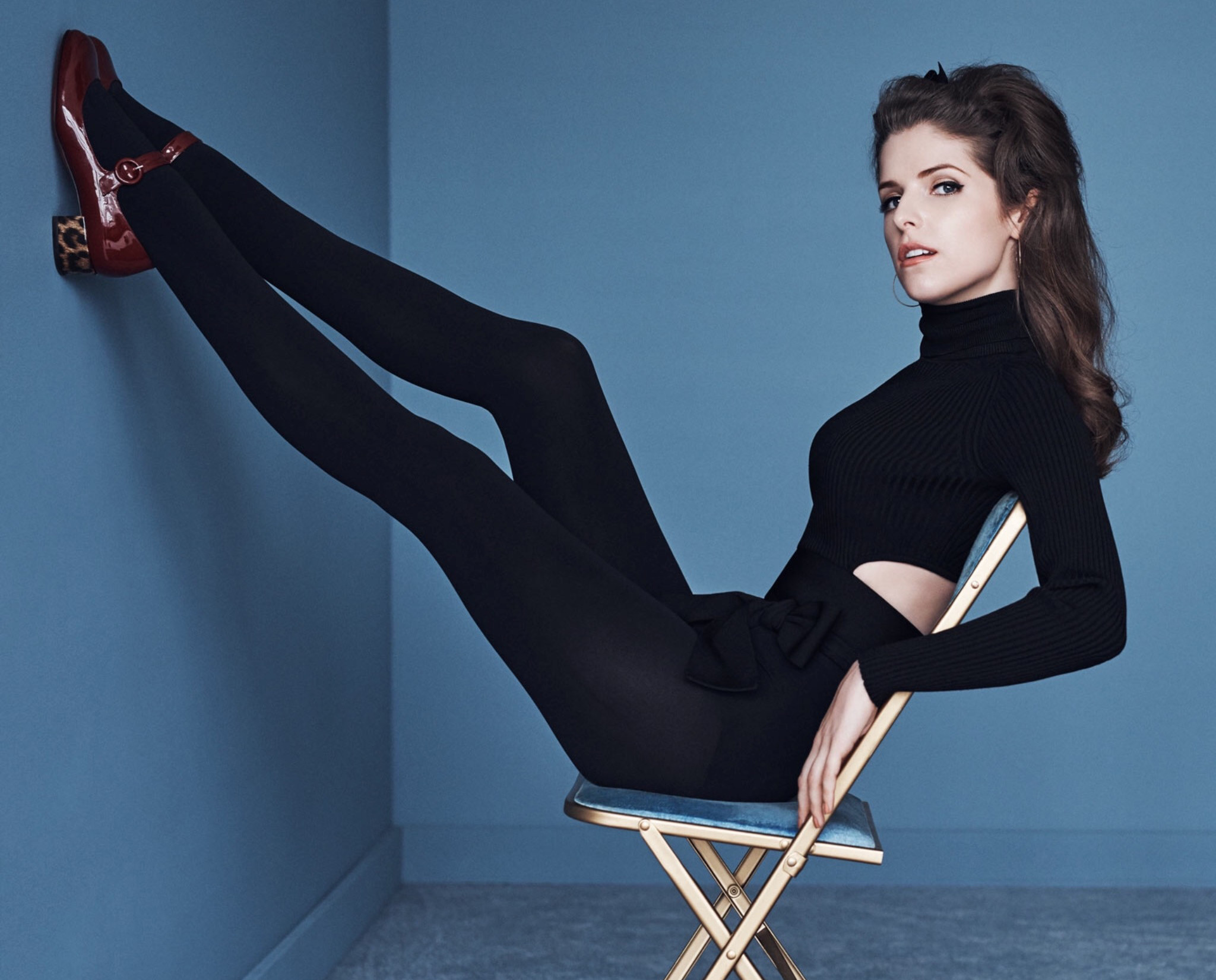 anna-kendrick-the-edit-fashion-shoot-hot-legs-7