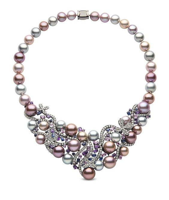 Yoko London pearl necklace in black gold